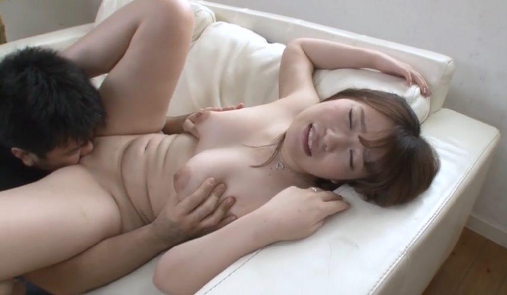 Yumi Kamiya gets cunnilingus