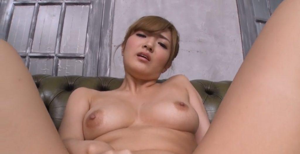 Hana Aoyama masturbates